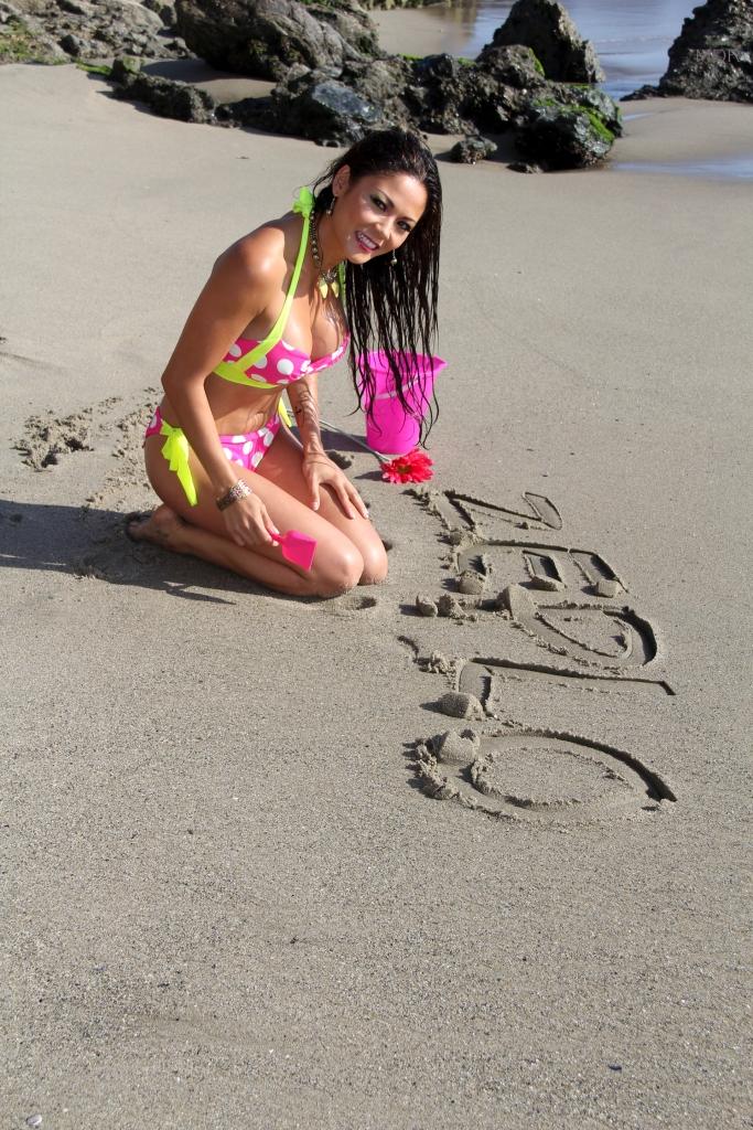 Model: Jennifer Irene Gonzalez Photo: Mike Del Rosario
